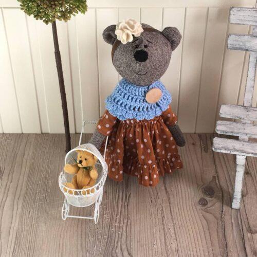dekor textil mackó barna ruhában