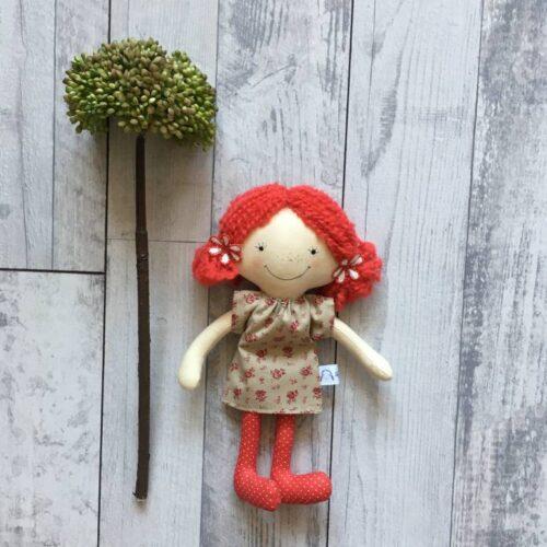 textilbaba piros hajjal